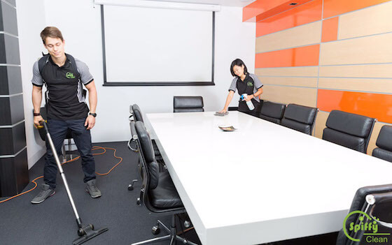 1.Office-and-Commercial-Cleaning-spiffy-clean-pic2_0