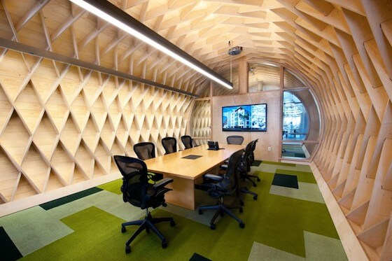 5.creative-office-atmosphere-with-modern-meeting-room-decoration-on-cool-cube-wall-interior-design-small-room-decorating-ideas-apartment-rent